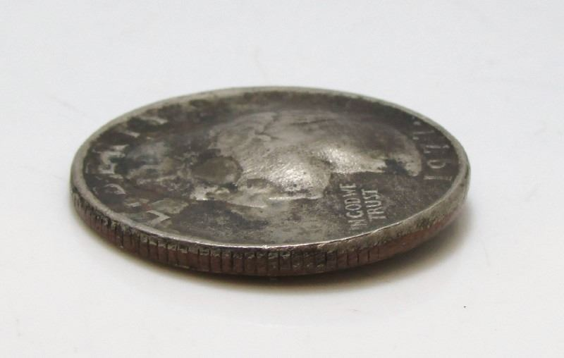 1977 USA 25-Cent Quarter Coin - Faluty Planchet Error - Gas Buble - RARE