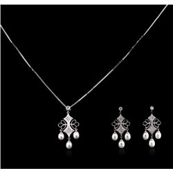 0.22ctw Pearl and Diamond Pendant and Earrings Suite - 14KT White Gold