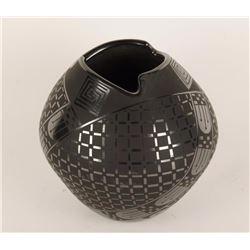 Mata Ortiz Blackware Pot