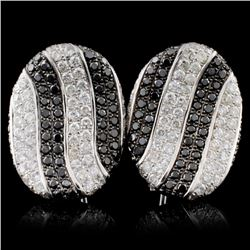 18K White Gold 2.50ctw Fancy Color Diamond Earring