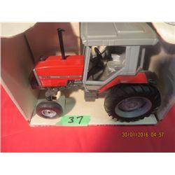 1/16 Scale Massey Ferguson 3070 #1127