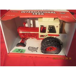 1/16 Scale International 1456 1996 Toy Tractor Times Anniversary Edition White Cab, Duals #2310TA