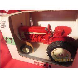 1/16 Scale International 606 1991 Special Edition Farm Progress Show #FB1535