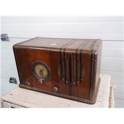 Stewart Warner AM Radio