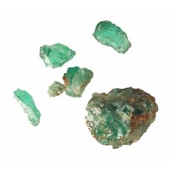 Lot of 2.65 carats of small, natural emeralds in an encrusted cluster and loose, from a Spanish colo