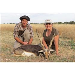 TS BUENOS AIRES OUTFITTERS: 4-Day Blackbuck and Pampas Ram Hunt for Two Hunters in La Pampa, Argenti