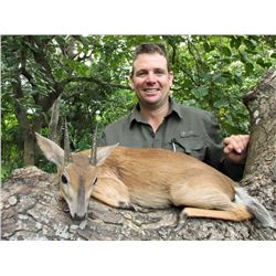 ZAMBEZE DELTA SAFARIS: 7-Day Plains Game Hunt for One Hunter in Mozambique - Includes Trophy Fees