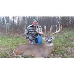 DAKOTA OUTFITTERS: 5-Day Whitetail Deer Hunt for Two Hunters and Two Non-Hunters in Ohio - Includes