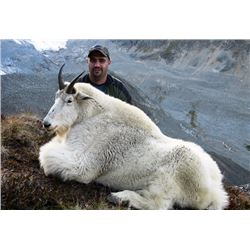 9-DAY MOUNTAIN GOAT OR CARIBOU HUNT IN BRITISH COLUMBIA FOR 1 HUNTER