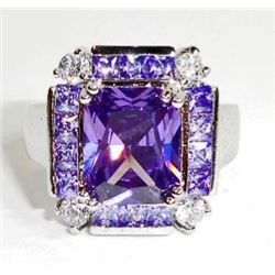 STERLING SILVER AMETHYST LADIES RING - SIZE 9