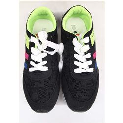 New Ataaso Tennis Shoes, Size 6.5