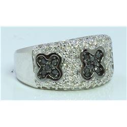 14K WHITE GOLD RING 9.8 GRAM  WHITE DIAMOND 0.64CT BLACK DIAMOND 0.34CT