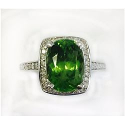 PERIDOT 4.46CT, 14K W/G RING 4.82GRAM / DIAMOND RD 0.45CT