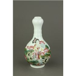 Garlic-Mouth Porcelain Vase Yongzheng MK