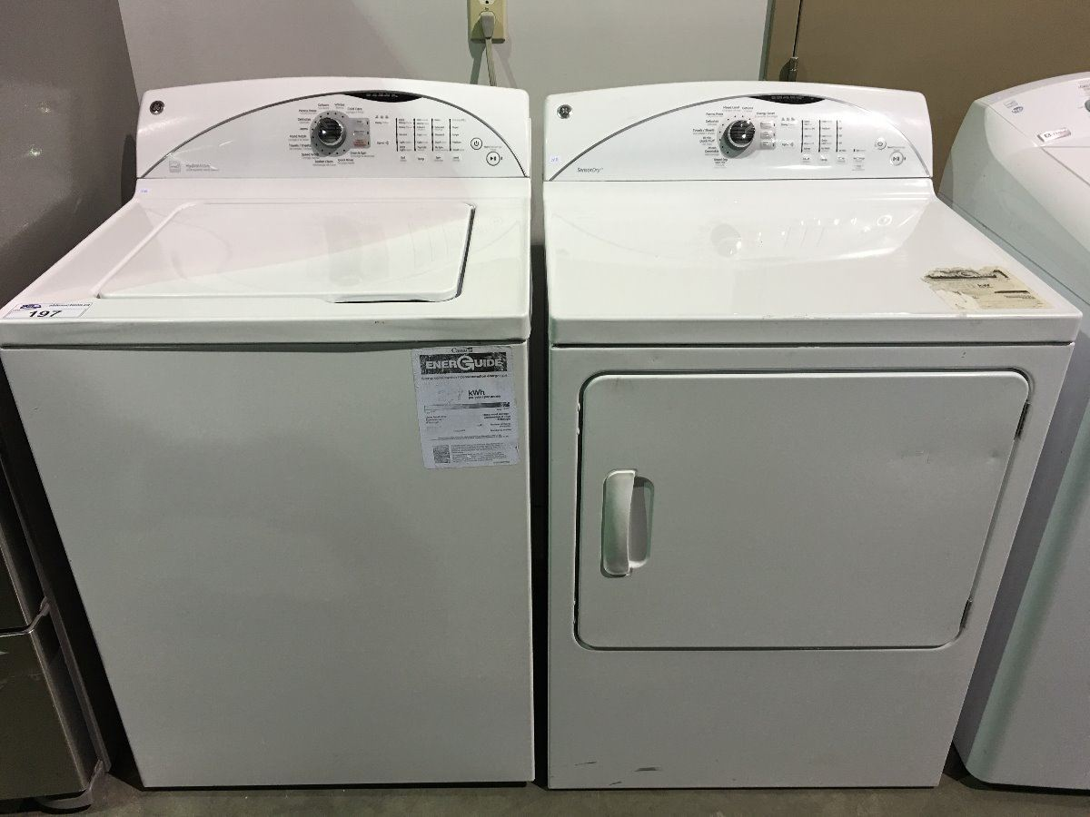 GE HYDROWAVE / SENSOR DRY WHITE WASHER & DRYER SET (MINOR SCRATCHES