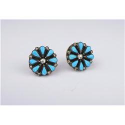 Nice Ladies Silver Designer Turquoise Earrings
