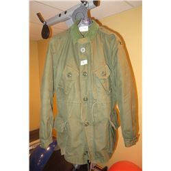 CDN Forces coat combat Reg/medium mfg June 1991 c/w liner