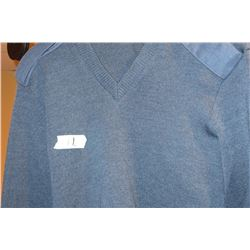 RCAF sweater c/w epaulets and elbow patches (new)