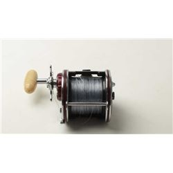 Penn Senator 4/0 Special reel in good condition  showing some dings and scratches. Est.: $25-$50
