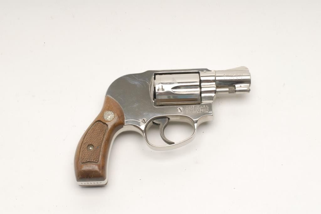 Smith & Wesson Model 38 Airweight DA revolver with shrouded