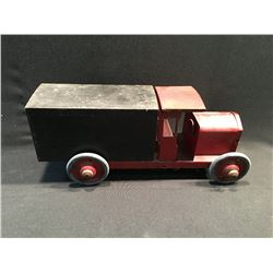 "PRE WWII TIN DELIVERY TRUCK WITH RUBBER TIRES, 18"" LONG"
