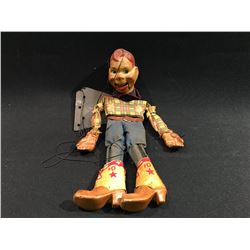 HOWDY DOODY COMPOSITION PUPPET, ORIGINAL CLOTHING, 1930'S