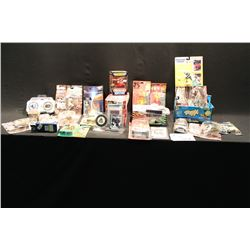 LARGE ASSORTMENT OF MIXED SPORTS & T.V. COLLECTABLES