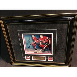 SIGNED AND FRAMED DUEL AUTOGRAPH PICTURE OF MAURICE AND  HENRI  RICHARD
