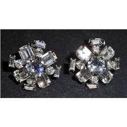 PAIR OF VINTAGE WEISS COSTUME JEWELERY EARRING