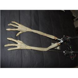PAUL THE ALIEN SCREEN USED HERO ANIMATRONIC ARMS 9 FUNCTIONS EACH