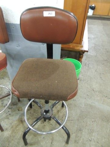 Fantastic Vintage Metal Shop Work Bench Adjustable Stool Evergreenethics Interior Chair Design Evergreenethicsorg