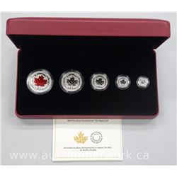 2015 - .9999 Fine Silver Fractional Set. 5 Coins with Coloured Maple Leaf Limited Edition with Cert.