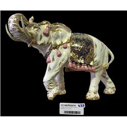 * Vintage La Graziosa Italy Porcelain Elephant (Trunk Repair)