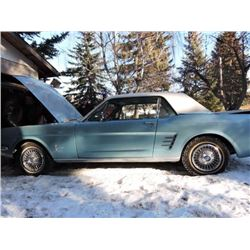 CLASSIC 1966 FORD MUSTANG COUPE