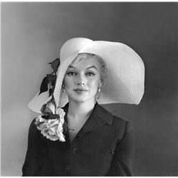 MARILYN MONROE 1958 WITH THE HAT.