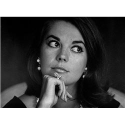 NATALIE WOOD POSING: BILL RAY SIGNED SILVER GELATIN PRINT