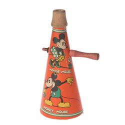 Mickey and Minnie Paper Horn With Ratchet Noise Maker.