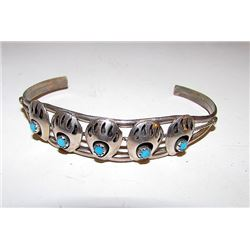 Vintage Navajo Native American Sterling Silver Turquoise Bear Paw Design Cuff Bracelet