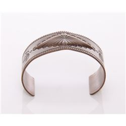 Native American copper bracelet.  SIZE: see attached ru