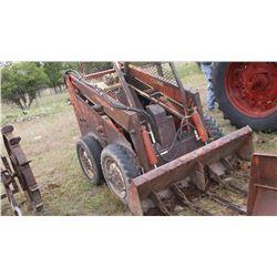 Gehl Skid Steer Model HL 2600 with 2 Extra Buckets- Runs-Works-Gas #00716