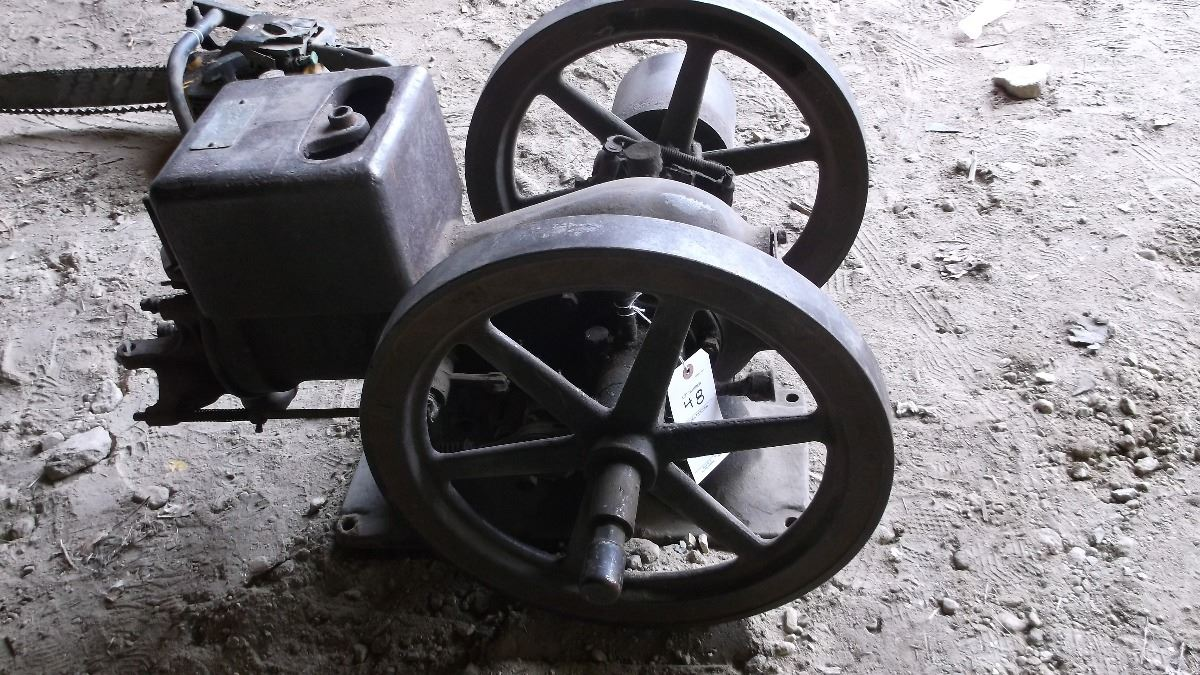 McCormick Deering made by IH- Hit and Miss engine- Parts only #WX3791