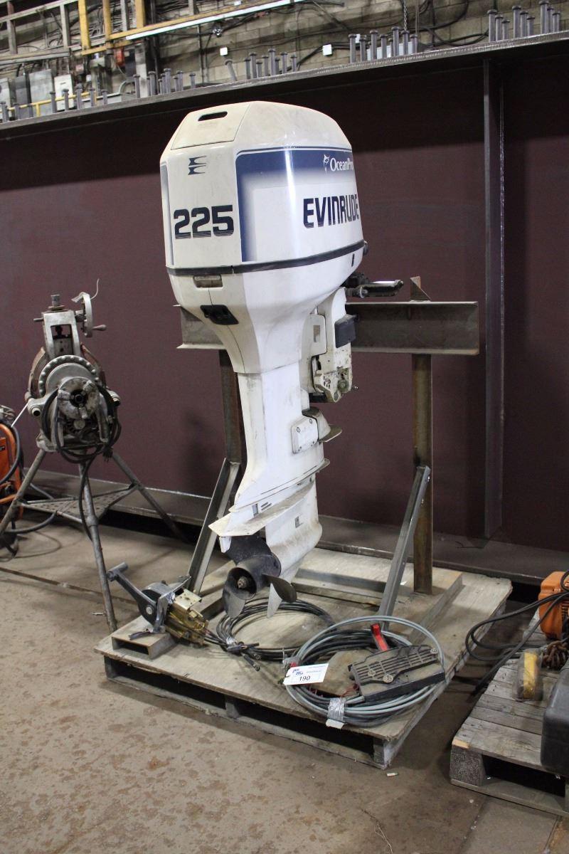 EVINRUDE OCEAN PRO 225 225HP OUTBOARD MOTOR WITH 2 SPEEN