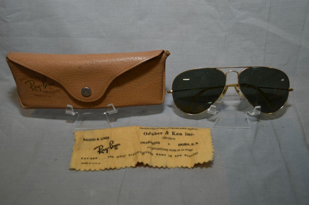 a50c54c3a86c Image 1 : A pair of vintage Bausch and Lomb RAY BAN Aviator sunglasses with  12kt