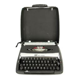 R.L. Stine (Jack Black) Magical Typewritter from Goosebumps