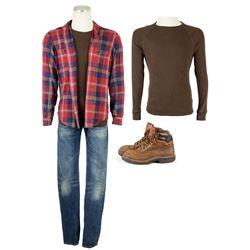 Evan Walker (Alex Roe) Hero Costume from The 5th Wave