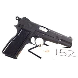 Browning Hi-power. Perfect military issue