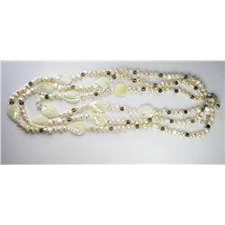 Elegant Ladies Freshwater Pearls Necklace