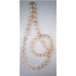 Nice Ladies Pearl Necklace & Bracelet