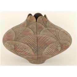 Incised Leaf Pattern Pot