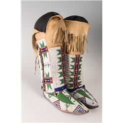 "Sioux Beaded Hightop Man's Moccasins, 10"" long"